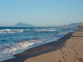 playa cullera cerca de casa la torreta en corbera valencia